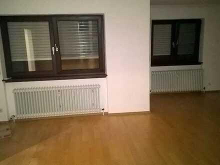 Gepflegte DG-Wohnung mit drei Zimmern sowie Balkon und EBK in Muggensturm
