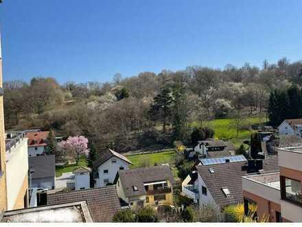 Großzügige Wohnung mit Wintergarten, großer Terrasse und Klimaanlage