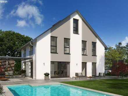 Großes Einfamilienhaus am Hang inkl. Bauplatz! KfW55