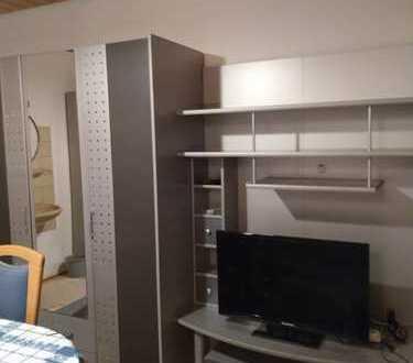 3er WG (1 Zimmer frei) mit gemeins. Küche und Bad, voll möbliert in Möglingen /LB, an männlichen Pen