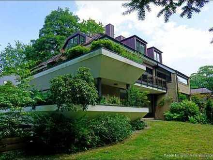 Großzügige Zwei-Zimmer-Wohnung mit Balkon/Terrasse und Gartenanteil in idyllischer Parklage