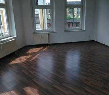 ++ geräumige 3 Zimmer Wohnung nahe Zentrum - frisch renoviert ++