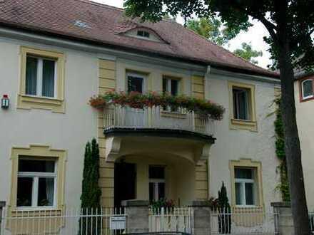 Grosszügige schöne Altbau-Villa mit Garten Nähe Festspielhaus zu vermieten