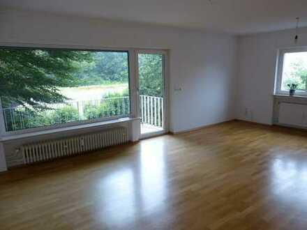 Gepflegte 3-Zimmer-Wohnung mit Blick ins Grüne in Eschborn, von privat