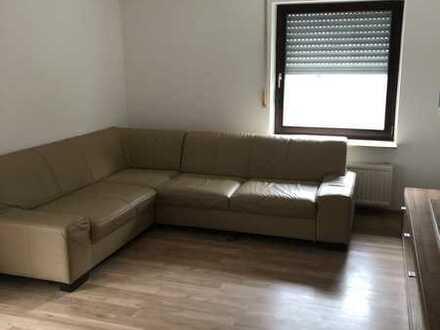 Vollständig renovierte möblierte 2-Zimmer-Wohnung mit Terrasse und Einbauküche in Pforzheim