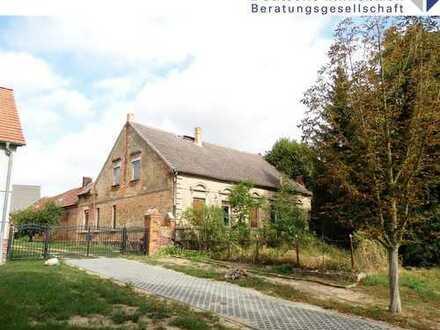 Wohnhaus zum Um- und Ausbau mit über 5.000 m² Grund
