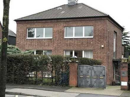 Renovierte große 3 Zimmerwohnung Moerser Str. in Krefeld
