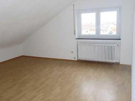 5246 - Gemütliche Dachgeschosswohnung in Blankenloch nähe S-Bahn!
