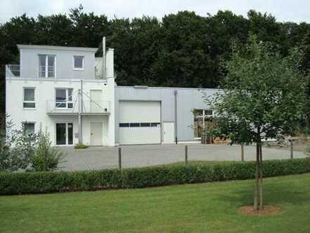 Moderne Halle mit Büro in Steinhagen - Brockhagen.