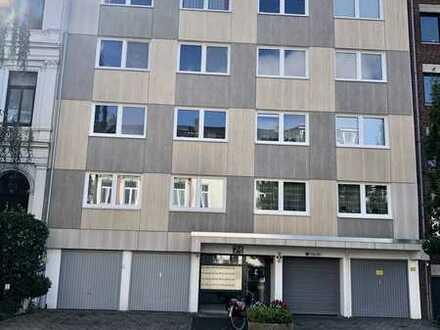 Stilvolle, geräumige und neuwertige 1-Zimmer-Wohnung mit Balkon und EBK in Bremen-Fesenfeld