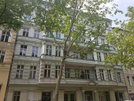 Am Kleistpark++Klassische Altbauwohnung im 1. OG mit Balkon++Langenscheidtstraße