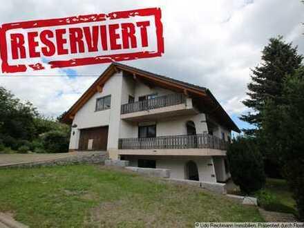 Repräsentatives Einfamilienhaus mit zwei Ferienwohnungen in Grafenhausen!