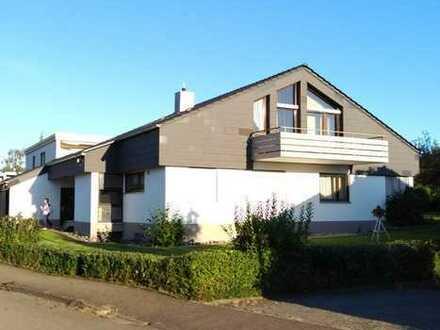 Schönes, geräumiges Haus mit acht Zimmern in Esslingen (Kreis), Weilheim an der Teck