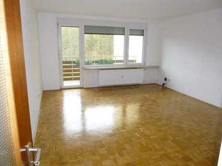 Teilrenovierte 2-Zimmer-Wohnung mit Stellplatz und großem Balkon am Ortsrand von Bad Mergentheim