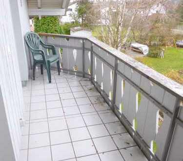Attraktives Wohnen unterm Dach für ruhige Pärchen oder Singles