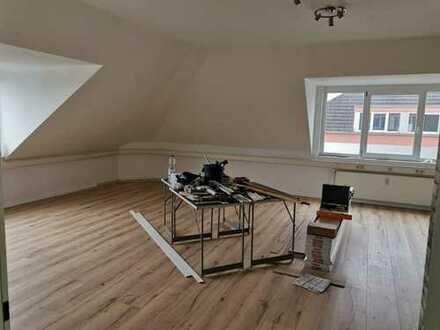 Helles Zimmer mit viel Gemeinschaftsfläche in Oranienburg zu vermieten