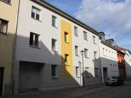 Neuwertige 2-Zimmer-Wohnung mit Balkon in Bahnhofsnähe