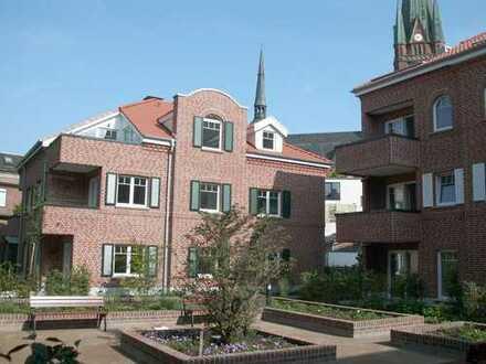 Helle und gehobene 3-Zimmer-Wohnung mit geschützter Süd-/West-Terrasse im Zentrum von Rhede