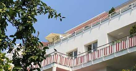 Individuelle 4-Zimmer-Wohnung mit Dachterrasse und Balkon: NUR FÜR KAPITALANLEGER