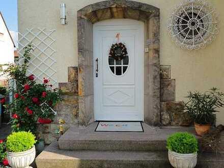 freistehendes Einfamilienhaus in bester Lage in Mannheim, Sandhofen