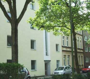 Helle, große 4,5-Zi.-Wohnung mit Balkon und Gartennutzg., 2 Bäder, sehr gr. Wohnküche in E-Frohnhsn.