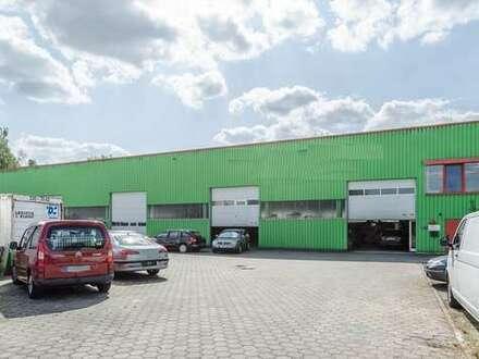 Nähe Ostring - Beheizbare Gewerbehalle mit Büro, 4 Sektionaltore und Aussenfläche!