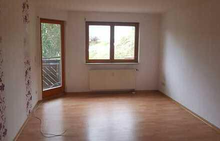*Schöne 3-ZI. WOHNUNG mit 65m²! Mit Balkon und Stellplatz! In Judenbach.
