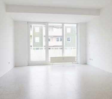 Helle 2 Zimmer Wohnung mit Tageslichtbad und großem Balkon.