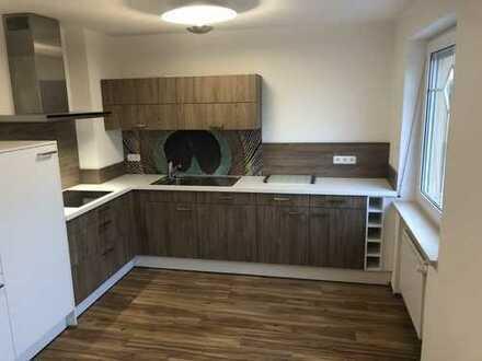 Erstbezug nach Sanierung: freundliche 4Zimmer-EG-Wohnung mit Einbauküche und Wintergarten in Monheim