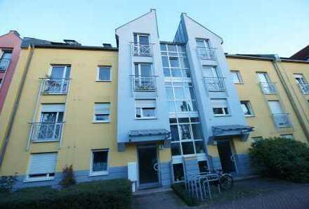 Nürnberg-St. Jobst: Helle und moderne 2-ZW (voll möbliert) im EG mit Garten und TG-Stellplatz