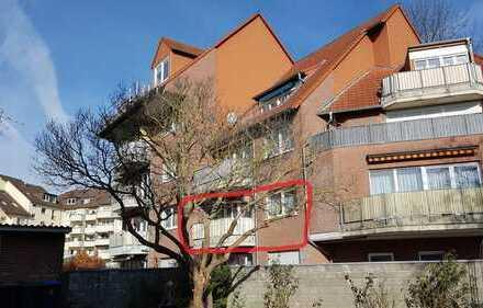 Gepflegte 3-Zimmer-Wohnung mit Balkon, TG Stellplatz, FB Heizung und EBK in Brühl