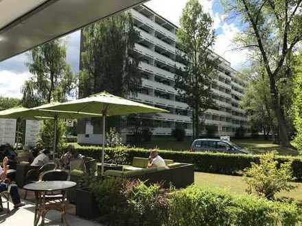 Hochwertig modernisierte 2-Zimmer-Wohnung mit sonnigem Westbalkon