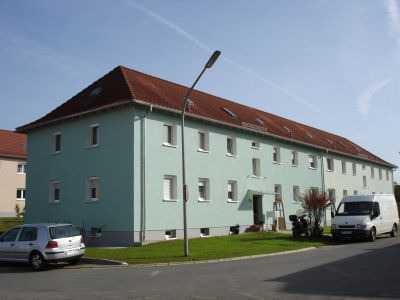 Renovierte sonnige 2 Zimmer Wohnung in ruhiger Wohnlage