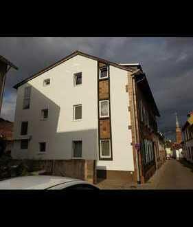 8 Familienhaus und dazu noch ein zusätzliches Haus zum renovieren !!