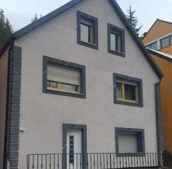 Saniertes Einfamilienhaus mit fünf Zimmern in Etzelwang, Etzelwang