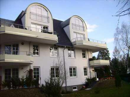 Geschmackvolle und geräumige 4-Zimmer-Maisonette-Wohnung mit Balkon und EBK in Köpenick, Berlin