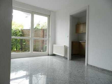 Großzügige 2-Zimmer-Wohnung mit Terrasse im Kiez von Köpenick sucht neue Mitbewohner