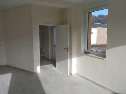 Erstbezug nach Sanierung: freundliche 2,5-Zimmer-EG-Wohnung in Wetter
