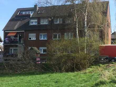 Attraktive 6-Zimmer-Dachgeschosswohnung mit Balkon in Köln/Roggendorf-Thenhoven