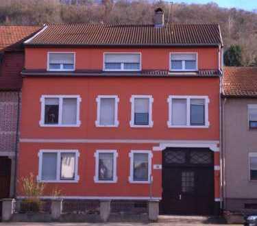 """""""PROVISIONSFREI"""", gepflegte 5-Zimmer-Wohnung mit Balkon in Bruchsal-Untergrombach"""