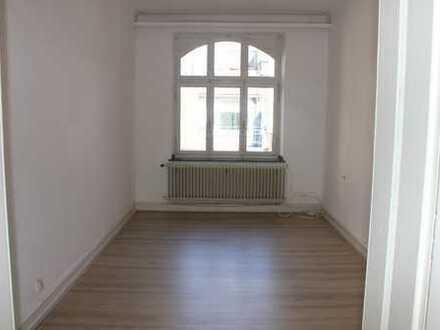 Schöne, helle 3-Zimmer-Wohnung im Herzen von Aachen ab sofort zu vermieten!