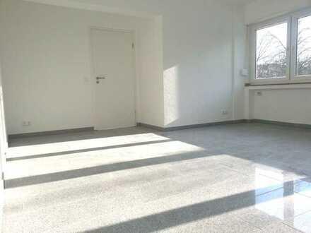 Sonnendurchflutete helle 2,5 Zi Wohnung in Odenkirchen Mitte 1. OG