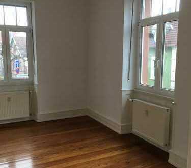 Vollständig renovierte 3,5-Zimmer-EG-Wohnung mit Terrasse in Edenkoben