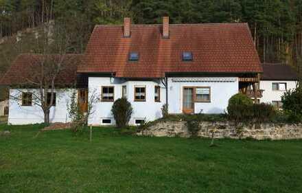 Schönes Haus mit acht Zimmern in Amberg-Sulzbach (Kreis), Hohenburg