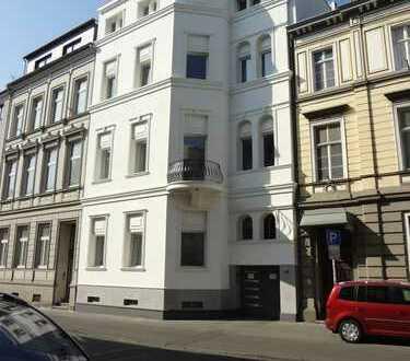 Schöne, geräumige 2-Zimmer Wohnung in Bonn, Wohnküche, Parkplatz möglich, Waschküche,
