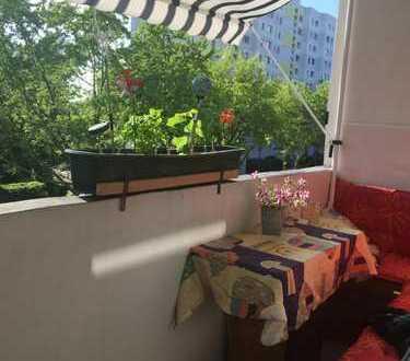 Gemütlich-möbiliertes 12 qm Zimmer mit Balkon zu vermieten!