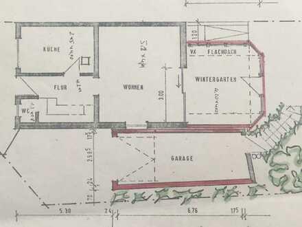 Reiheneckhaus mit großem Wintergarten, großer Garage und Garten.