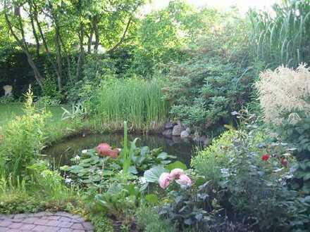 Reihenend-Bungalow im Grünen (120 qm + 60 qm) mit schönem Garten