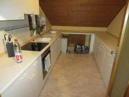 Bretzfeld, schöne 3 Zimmer DG Wohnung, 72qm, mit Dachloggia , neuem Bad, Garage