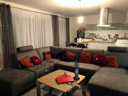Schöne 4-Zimmer-Maisonette-Wohnung mit Balkon und Einbauküche in Nürnberg